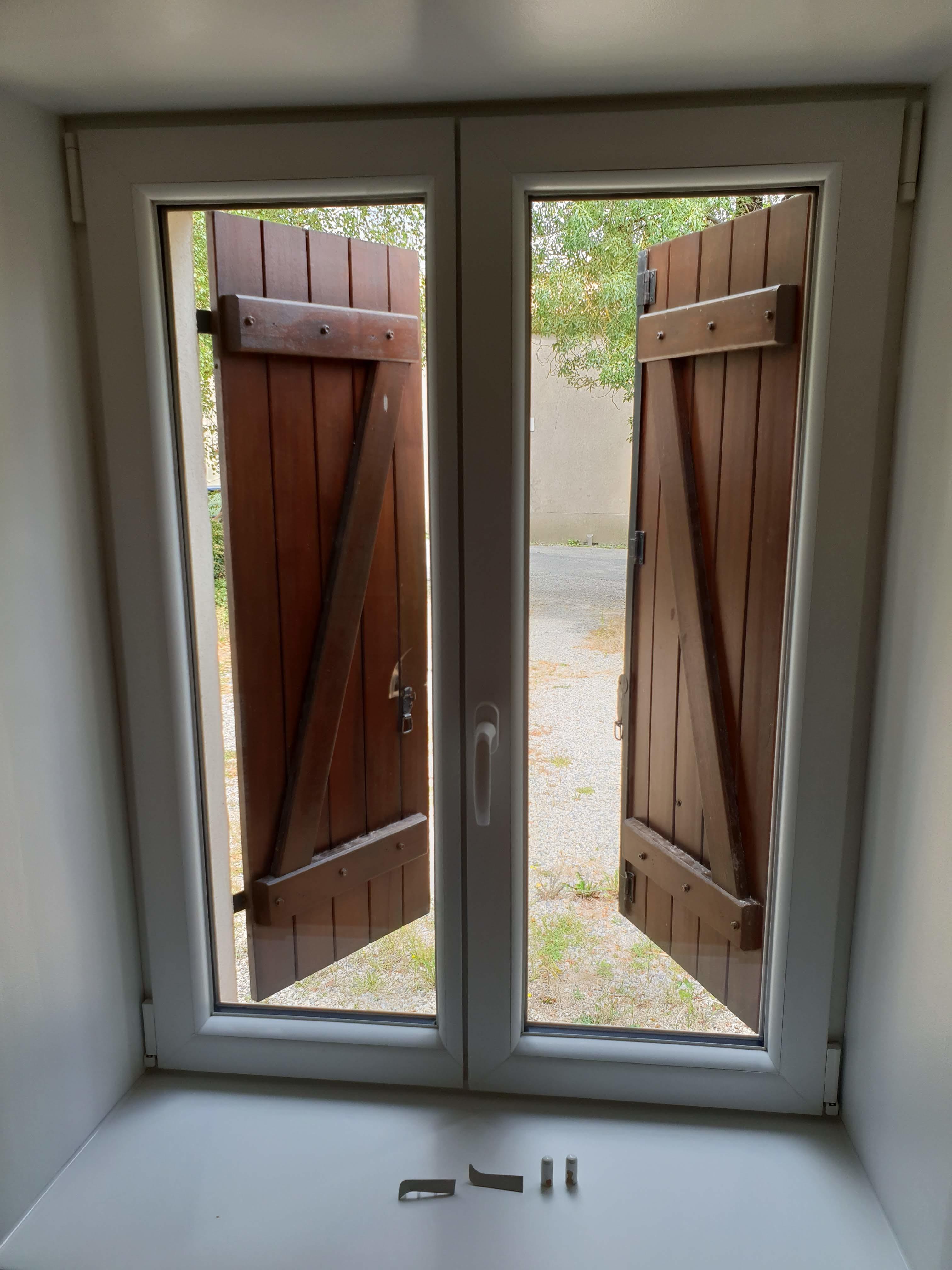 Fenetres Renovation Ou Remplacement pose de fenêtre avec dépose total, pose fond de feuillure